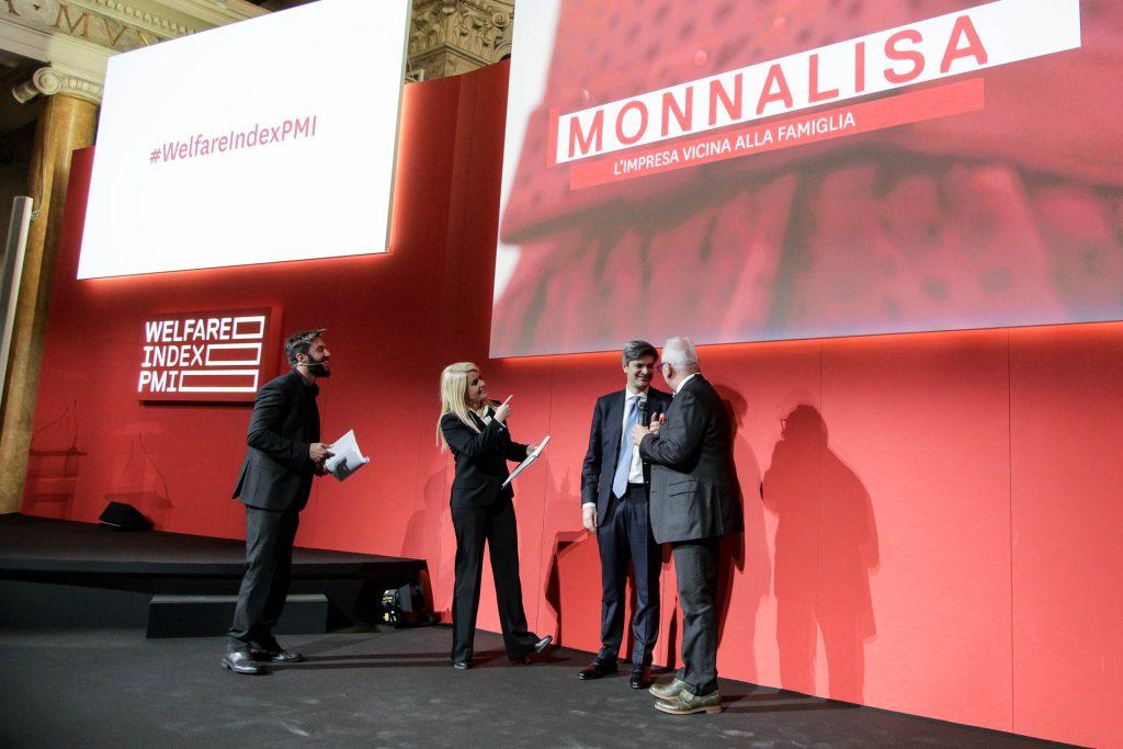 """Menzione speciale: Valore Donna a Monnalisa, per le iniziative per il sostegno della maternità e alle esigenze del lavoro femminile, """"L'impresa vicina alla famiglia"""""""